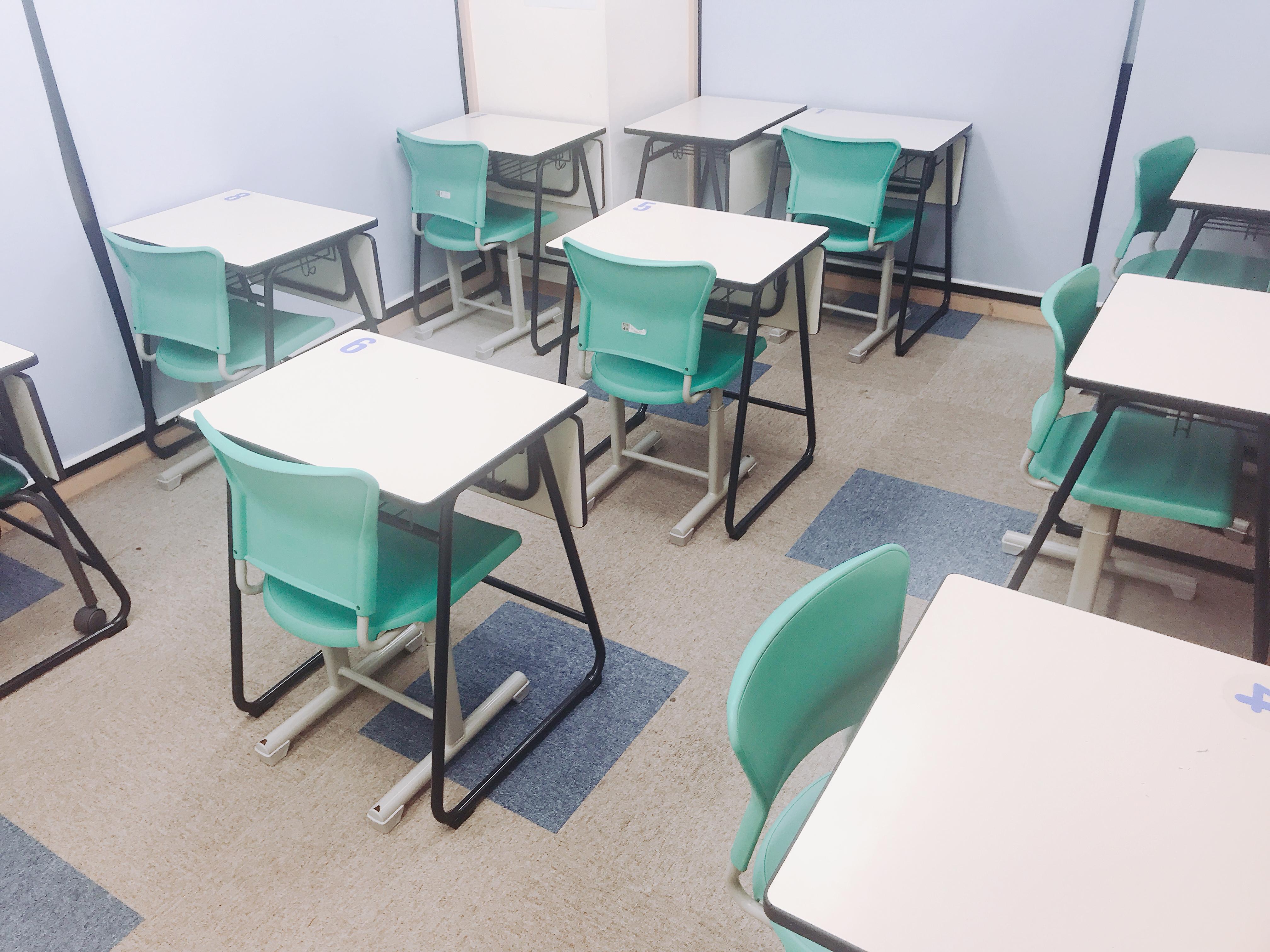 綺麗な自習室